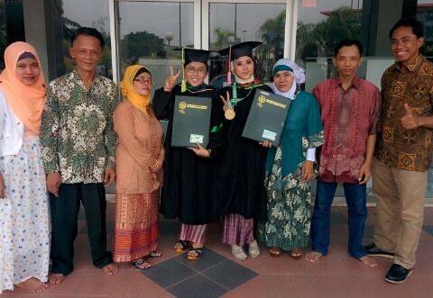 Dwi, Tuti, Family, Dede--Graduation Day
